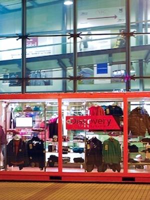 Fuorisalone-2012-degustazioni-d-autore-negli-ex-container-contemporary-con-la-firma-di-cia-street-food-market