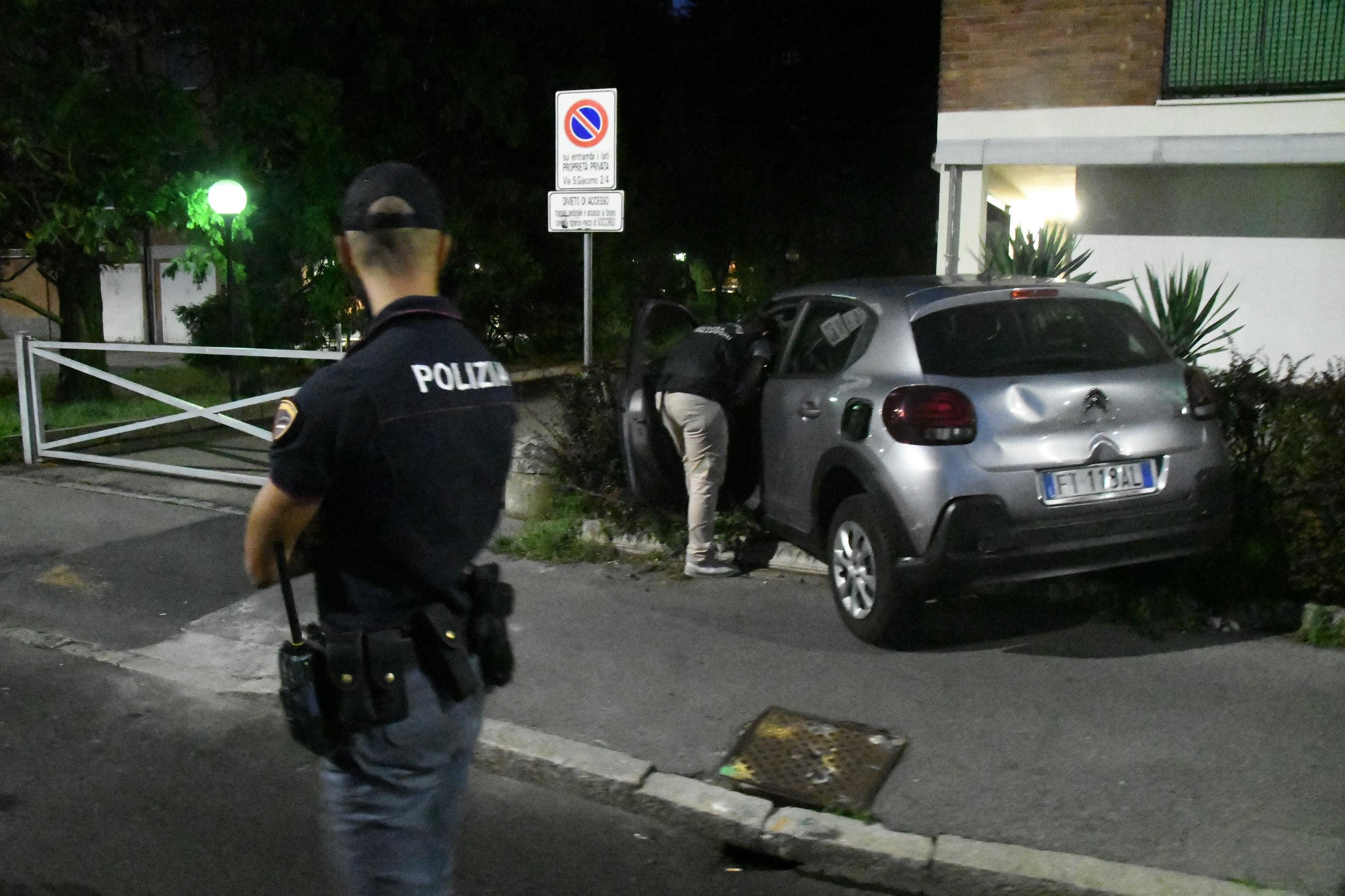 Omicidio via San Giacomo a Milano. Polizia e Scientifica di Daniele Bennati (6)