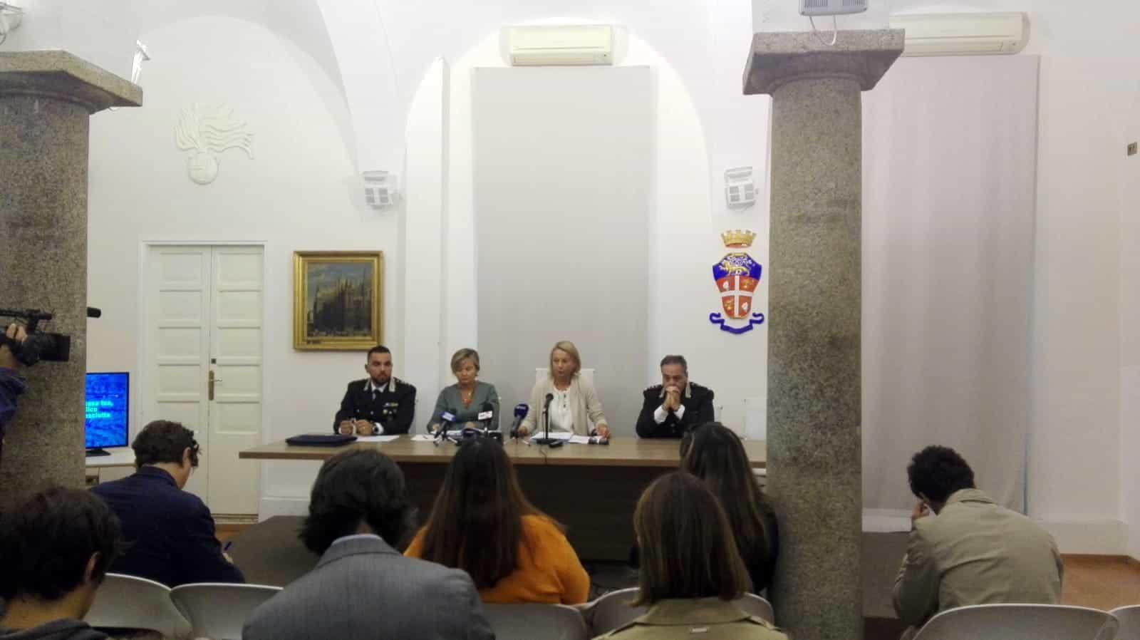 Conferenza stampa carabinieri e DDA-2