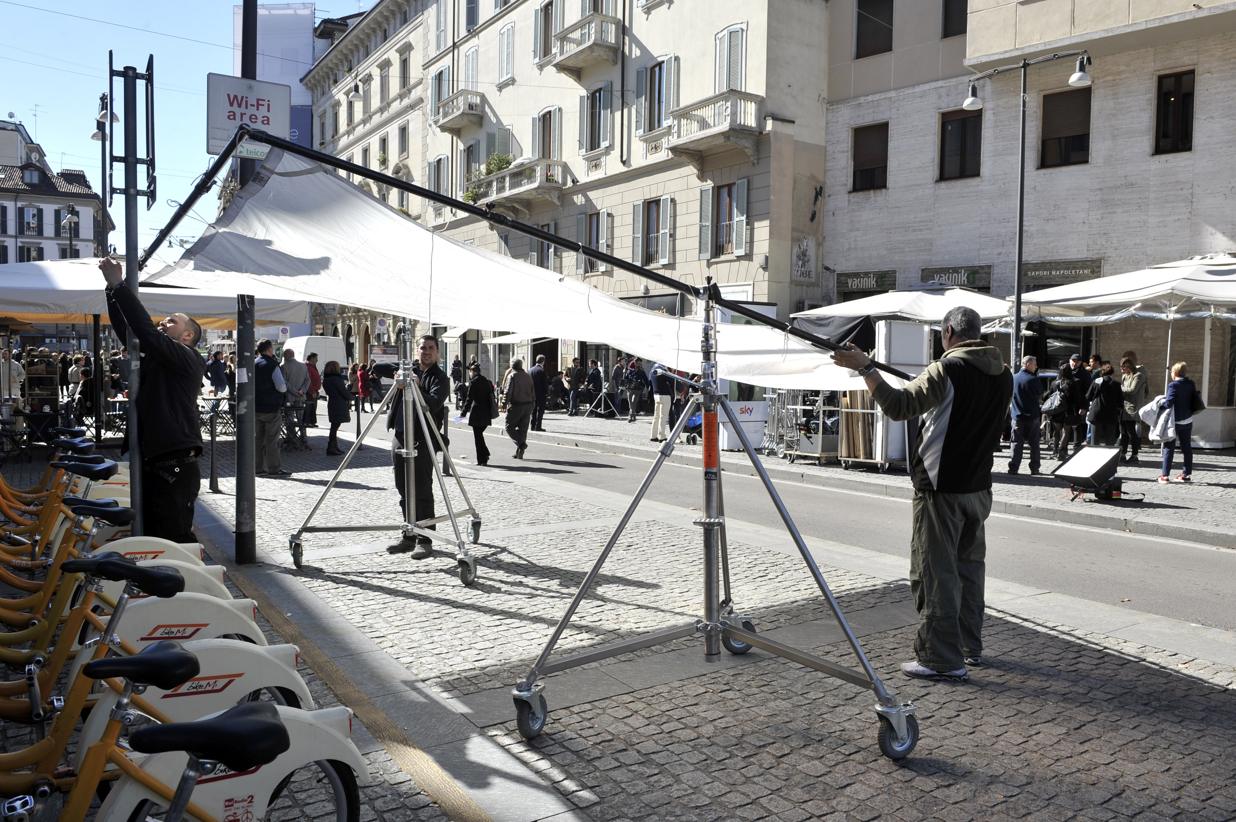 Set cinematografici. Film, Tv girati a Milano (3)-2
