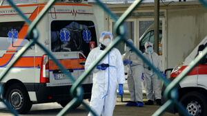 """Covid, """"Probabile terza ondata in Lombardia"""": la Regione studia il piano per il vaccino"""