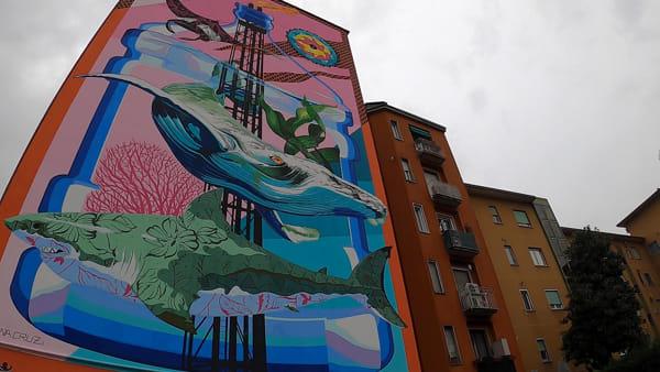 Milano Lambrate, inaugurato il murales anti-smog donato alla città dallo street artist Iena Cruz