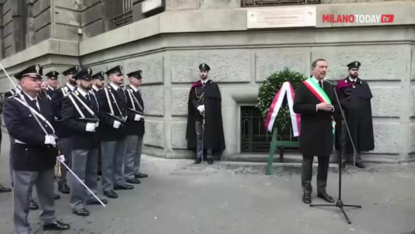 Milano: targa in memoria del poliziotto Antonio Annarumma, ucciso negli scontri del 1969 in via Larga