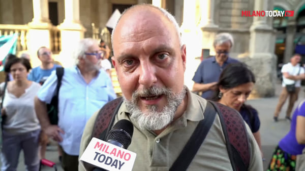 """Mediterranea, a Milano il presidio per far sbarcare i profughi: """"Situazione è drammatica"""""""