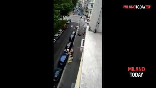 Milano: folle dà in escandescenze e distrugge tutto quello che gli capita a tiro