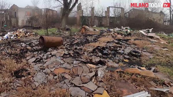 Milano, rifiuti e degrado a Vaiano Valle: nell'ex villa dei Ligresti ora c'è una discarica sorvegliata dai rom
