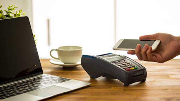 Pagamenti con lo smartphone: le risposte ai dubbi sulle app digitali