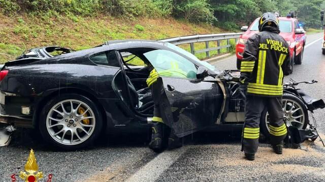 He crashes into a Ferrari on the Malpensa expressway thumbnail