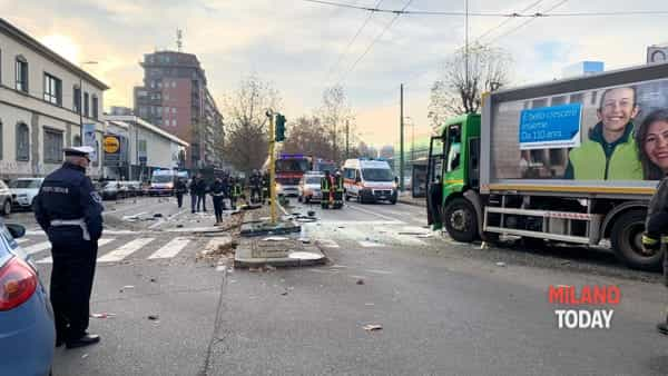 Incidente in viale Bezzi - 1