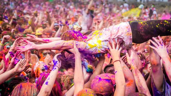 Holi festival: colori e divertimento al Carroponte, a ingresso gratuito
