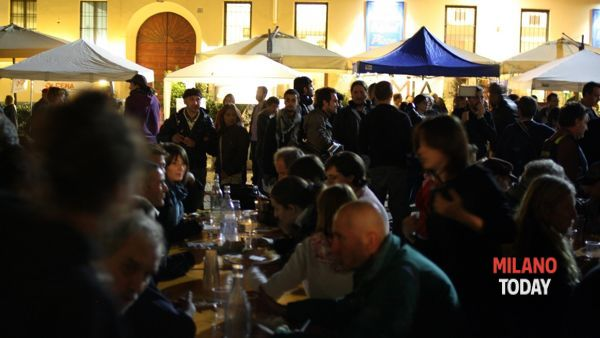 La cena gratuita (foto Survivemilano.it)