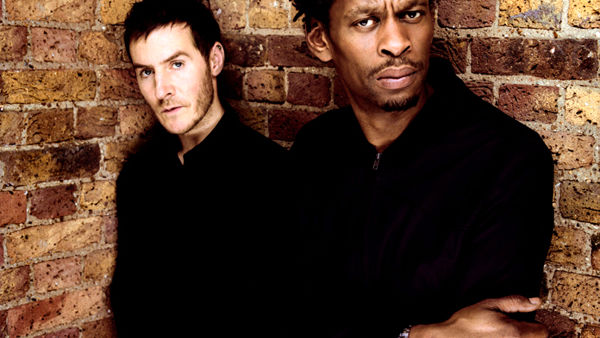 Massive Attack in concerto: il 23 luglio all'Assago Summer Arena
