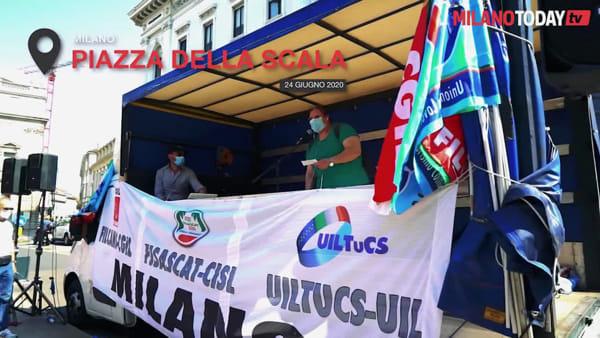 """""""Diamo da mangiare ai vostri figli, ma noi siamo alla fame"""": la protesta dei lavoratori delle mense"""
