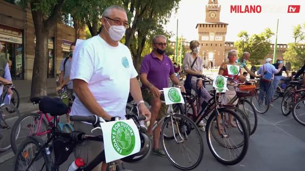 """""""Clima e salute una sola battaglia"""": Fridays for Future chiede i trasporti pubblici gratuiti a Milano"""