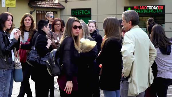 Corsico, centinaia al funerale di Manuel Frattini: il 'Re del musical' stroncato da un malore a 54 anni