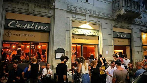 La Lombardia chiede di riaprire ristoranti anche al chiuso e coprifuoco alle 23