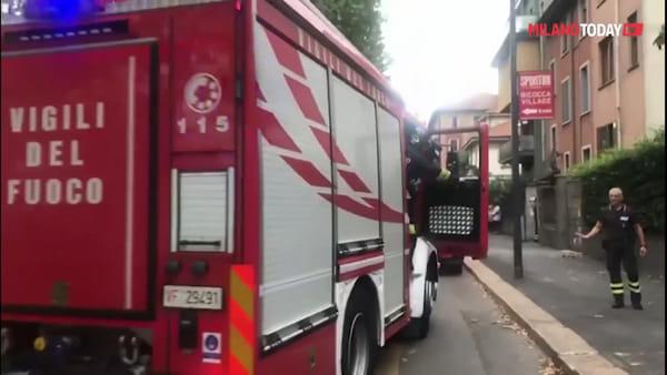 Milano, fanno il barbecue in casa: vicini pensano a un incendio e chiamano i vigili del fuoco
