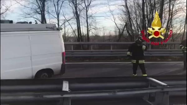 Incidente sulla Valassina, schianto tra una cisterna carica di benzina e altri due mezzi