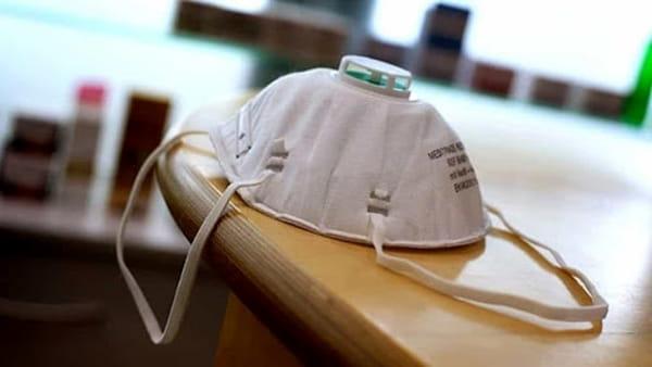 """Coronavirus, Fontana: """"Ho deciso che mascherine restano obbligatorie fino al 30 giugno"""""""