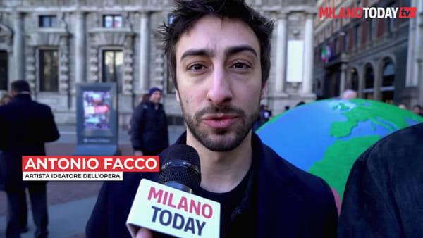 Inaugurato in piazza della Scala il primo dei 100 globi d'artista per una Milano plastic free