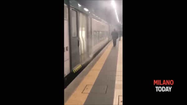 """Trenord diretto a Paderno-Robbiate, fumo in carrozza: """"Freno rimasto bloccato"""""""