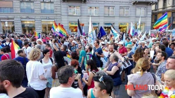 """""""Gay Pride"""": corteo a Milano sabato 24 giugno 2017"""