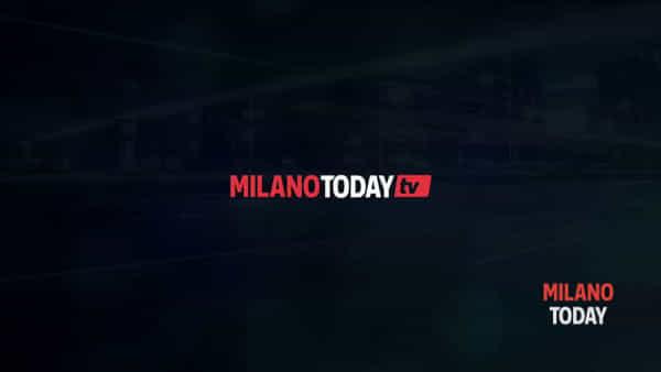 Milano, bambino di 5anni precipita nella tromba delle scale a scuola: è gravissimo. Video