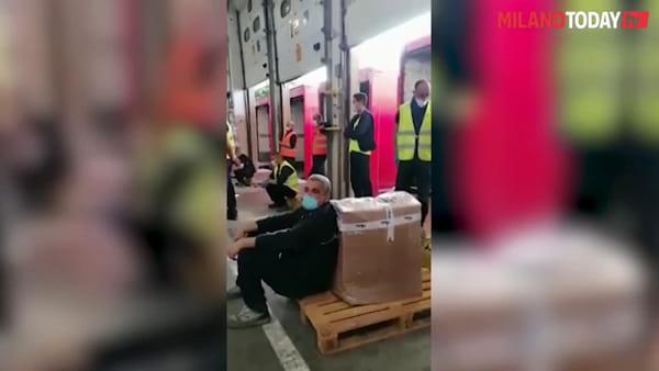 Sedriano, Esercito e Carabinieri interrompono l'assemblea dei lavoratori BRT