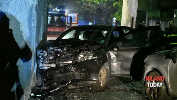 L'auto distrutta (foto Bennati)