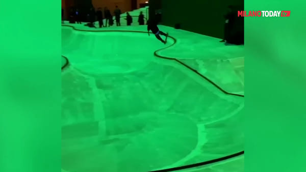 Milano, alla Triennale lo skatepark fluorescente ideato dalla designer Koo Jeong A