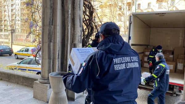 Vaccini Covid in Lombardia, dal 15 febbraio anche ai volontari della protezione civile