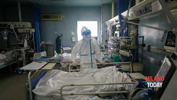 Coronavirus, in Lombardia scuole chiuse e serrande abbassate dalle 18 per bar e locali
