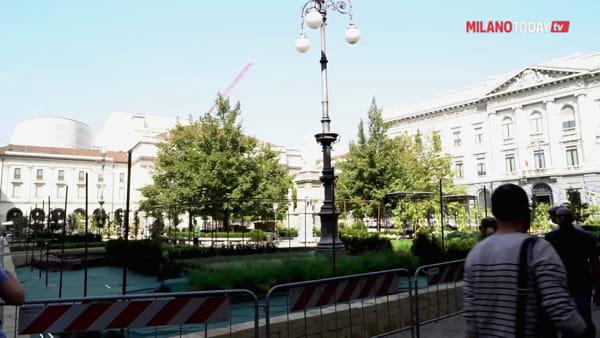 VIDEO | Un orto a cielo aperto per la Fashion week: pomodori, cavoli e insalata in piazza della Scala