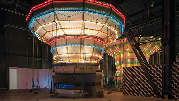 "La mostra di Holler in Bicocca 2016, con ""Two Flying Machines"""