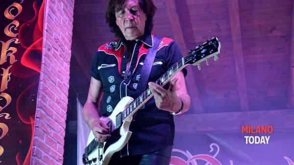 Rocktoberfest, prima settimana: al concerto di Maurizio Solieri, storico chitarrista di vasco rossi, accorrono oltre 3mila persone