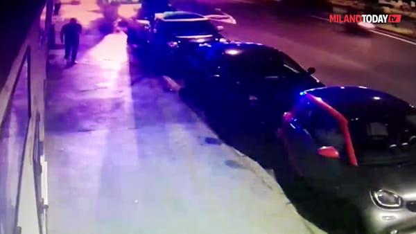 Milano, egiziano di 30 anni ucciso a coltellate in viale Monza: in questura i 4 coinquilini