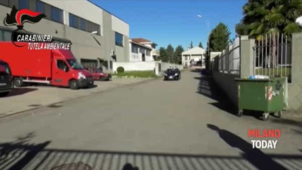 Smaltimento illecito di rifiuti: 6 capannoni sequestrati, «guadagni alti e rischi troppo bassi»