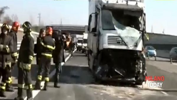 Incidente camion pullman (11)