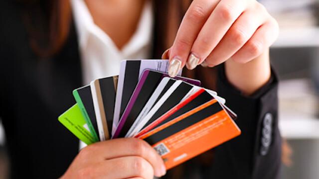 Tessere e documenti a portata di smartphone per non riempire più il portafoglio