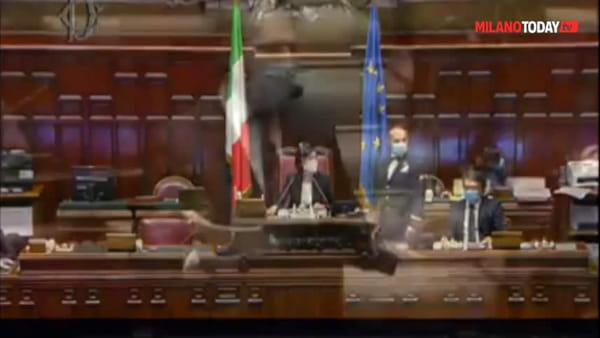 """""""La neo terrorista"""" Silvia Romano: la frase del deputato leghista alla Camera sulla cooperante milanese rapita"""