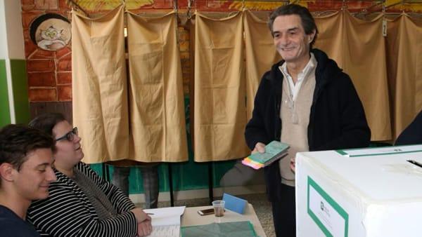Fontana, uno dei candidati, al voto
