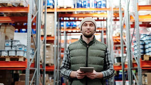 Amazon assume a Brandizzo e Vercelli: si ricercano magazzinieri