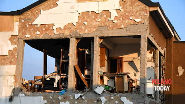 Il palazzo devastato dall'esplosione