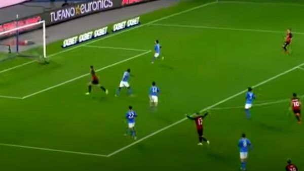 Video gol e highlights Napoli-Milan 1-3: doppietta di Ibrahimovic (poi infortunato) e Hauge