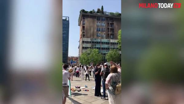 """Bambolotti e biberon, la protesta dei nidi di Milano: """"Noi dimenticati dal Dpcm Rilancio, rischiamo di sparire"""""""