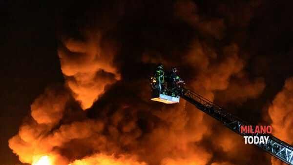 L'intervento dei pompieri - Foto Nicolò Chignoli © MT