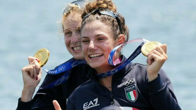 The joy of Attilio Fontana for the gold of the two Lombard women at the Olympics thumbnail