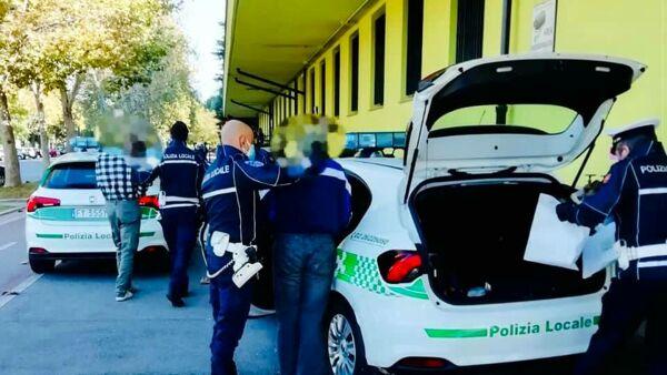 Gli arrestati - Foto comune Sesto