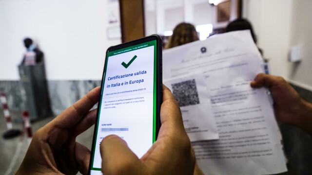 Green pass obbligatorio al lavoro dal 15 ottobre, le Faq del governo: regole e multe