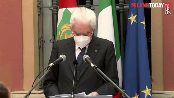 """Mattarella a Codogno rende omaggio alle vittime del covid-19: """"Vostro sacrificio esempio di alto senso civico"""""""